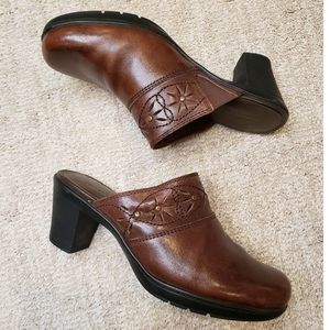 Brown Leather Slip On Mules Clarks Bendables